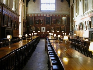 hogwarts dining hall pic